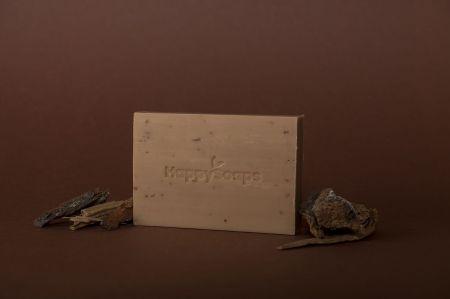 The Happy Soaps Handzeep - Sandalwood en Cedarwood Sandalwood 100 gram nodig? - ruitershopbeerens.nl